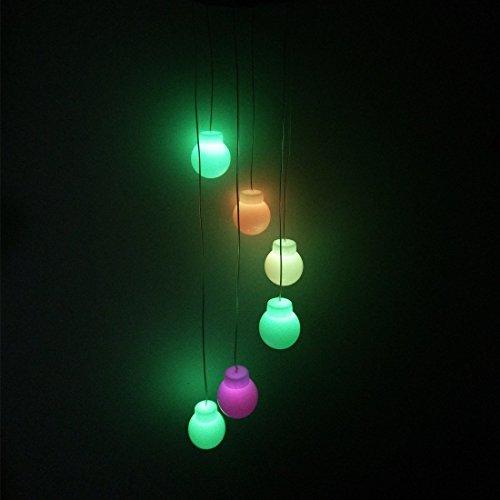 Amazing Carillon, Changement de couleur solaire Mobile Wind Chimes lumières à suspendre Vent Bell lumière Nuit lampe à suspension pour éclairage de jardin Décoration de la Maison avec des capteurs Crochet pour Halloween Balle colorée