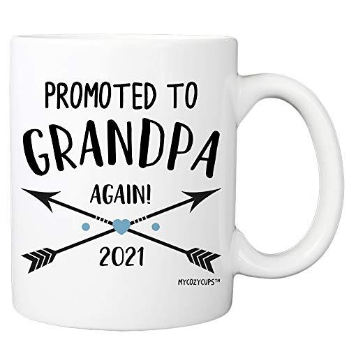 Taza de café MyCozyCups, regalo para el abuelo, promocionado a abuelo Again 2021, divertida taza de 11 oz para mamás embarazadas, abuelos, abuelos, anuncio especial de sorpresa de embarazo