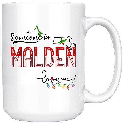 Taza de café Alguien en Malden Massachusetts Me ama Taza Taza de vacaciones de hija e hijo Amigo Ciudad Estado en decorativo 11oz