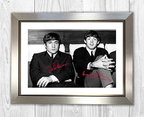 Engravia Digital Poster John Lennon & Paul McCartney The Beatles (2) A4 mit Reproduktion Autogramm Foto A4 Druck (Silberrahmen)