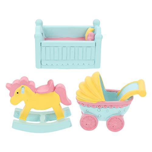 TOYANDONA Muebles Y Accesorios de Casa de Muñecas en Miniatura, 3 Piezas de Resina en Miniatura para Baby Shower Cochecito Cuna Caballo Mecedora Torta para Niñas