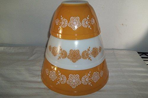 Pyrex Golden Butterfly 401,402,403 Set of three Nestng Mixing Bowls