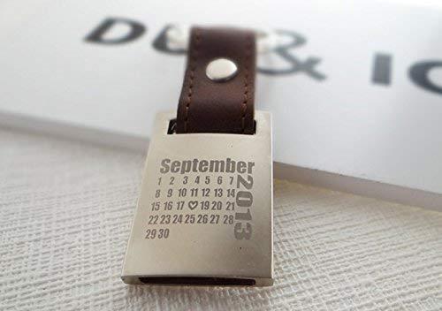 personalisiertes Geschenk zum Valentinstag, zur Hochzeit oder zur Geburt des Kindes, Schlüsselanhänger, Leder mit Wunschdatum von Schlüsselundwort