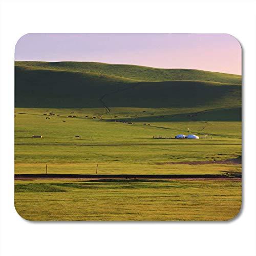 Mauspads Grünes Asien Mongolische Traditionelle Häuser In Immensem Grasland Sie Nennen Diese Zelte '' Jurte '' Asiatisches Mauspad Für Notebooks, Desktop-Computer Büromaterial