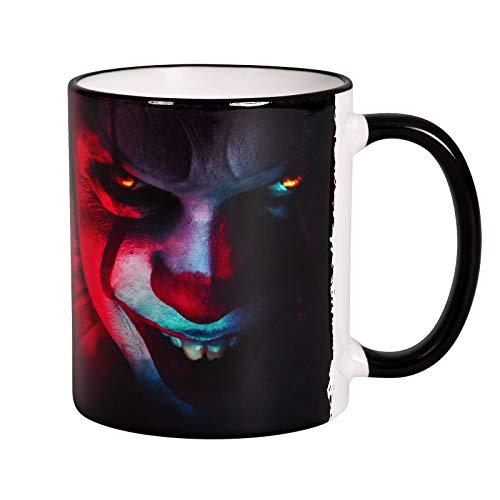 Elbenwald Stephen Kings ES Tasse Clown Pennywise und Chapter Two Logo Rundumdruck 320 ml Keramik schwarz