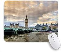 NIESIKKLAマウスパッド ふくらんでいる雲の写真とテムズ川のビッグベンウェストミンスター橋とロンドンの広大な街並み ゲーミング オフィス最適 高級感 おしゃれ 防水 耐久性が良い 滑り止めゴム底 ゲーミングなど適用 用ノートブックコンピュータマウスマット