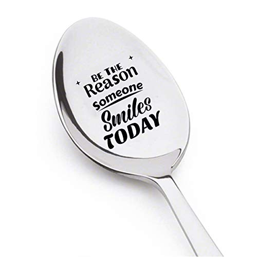 "Löffel mit Gravur ""Be The Reason Someone Smiles Today"", Geschenk für Freunde, Geschenk für Ihn, Geschenk für sie, inspirierende Geschenke"