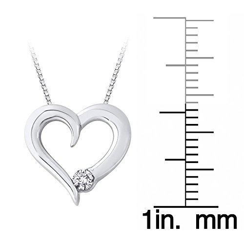 Cadena con colgante de corazón de diamantes en oro blanco de 14K (1/10CTTW)