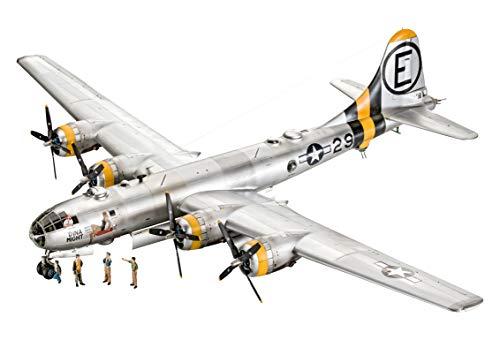 Revell 03850 B-29 Super Fortress originalgetreuer Modellbausatz für Experten, unlackiert