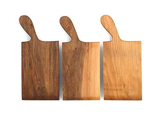 Holzwerk Premium Spätzle-Schaber - hochwertiges Spätzle-Brett - handliche Spätzlereibe aus massivem Walnussholz - handgefertigtes Nudelbrett - Made in Germany