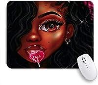 MISCERY マウスパッド ロリポップを食べる美しい黒人女性は光沢があります。 高級感 おしゃれ 防水 端ステッチ 耐久性が良い 滑らかな表面 滑り止めゴム底 24cmx20cm