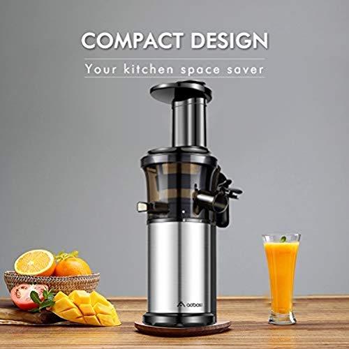 Aobosi Kompakt Slow Juicer/Kleines Kaliber Entsafter/Saftpresse für Obst und Gemüse mit tragbar Griff/Rücklauffunktion/geräuschlosem Motor und Reinigungsbürste für einen nährstoffreichen Saft