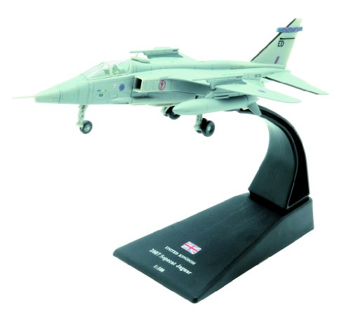 Sepecat Jaguar diecast 1:100 fighter model (Amercom SL-53)