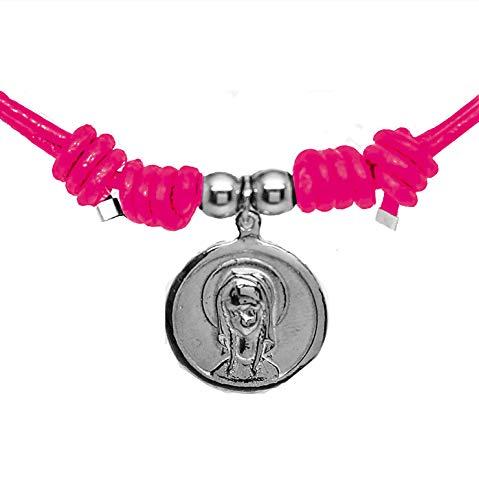 Kokomorocco Medalla comunión Virgen niña de Plata de Ley y Cuero, Collar Ajustable, Cuero Color Rosa Fucsia, Regalo de cuentecito con la Leyenda de la Virgen niña