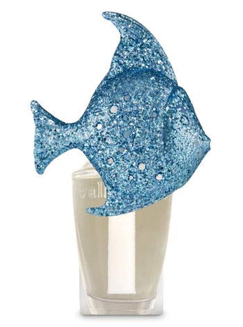 週末樫の木ベール【Bath&Body Works/バス&ボディワークス】 ルームフレグランス プラグインスターター (本体のみ) グリッターブルーフィッシュナイトライト Wallflowers Fragrance Plug Glitter Blue Fish Night Light [並行輸入品]
