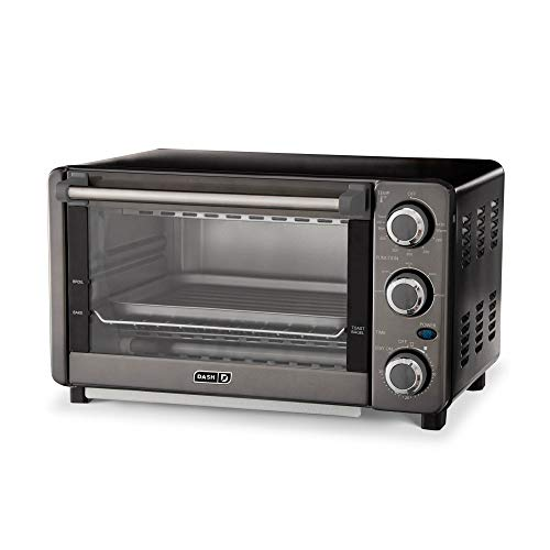 Dash Express oven for baking and grilling