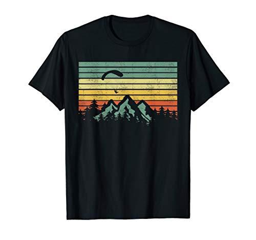 Vintage Paragleiter segelt über Bergen T-Shirt