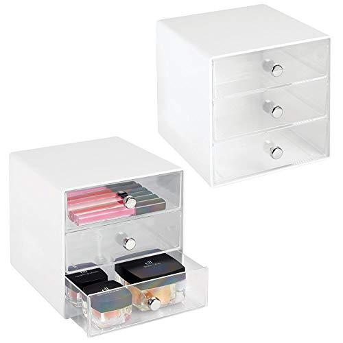 mDesign 2er-Set Schubladenbox aus robustem Kunststoff – praktischer Kosmetik Organizer mit drei Schubladen – stilvolles Schubladensystem mit Chromgriffen – weiß/durchsichtig