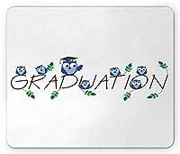 卒業マウスパッド、かわいいフクロウと葉ユーモアミッドターム子供保育園のテーマ、標準サイズの長方形滑り止めゴムマウスパッド、ブルーホワイトと卒業テキスト