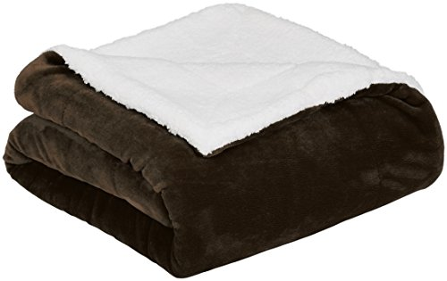 AmazonBasics Soft Micromink Sherpa Throw Blanket - Full or Queen, Chocolate