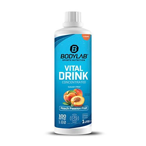 Bodylab24 Vital Drink Concentrated 1000ml   Getränkekonzentrat 1:80   mit Vitaminen und L-Carnitin   Sportgetränk mit wenig Kalorien   Pfirsich-Passionsfrucht