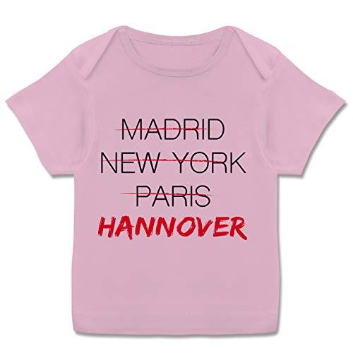 Städte & Länder Baby - Weltstadt Hannover - 56-62 (2/3 Monate) - Rosa - Hannover 96 - E110B - Kurzarm Baby-Shirt für Jungen und Mädchen