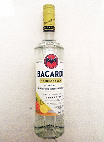 Pineapple Fusion Flavoured Spirit Drink der Marke Bacardi 32% 0,7l Flasche