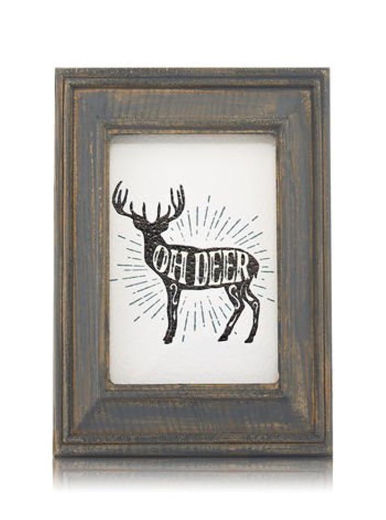 冷蔵庫気候の山時刻表【Bath&Body Works/バス&ボディワークス】 ルームフレグランス プラグインスターター (本体のみ) ウッドフレーム トナカイ Wallflowers Fragrance Plug Wooden Oh Deer Frame [並行輸入品]