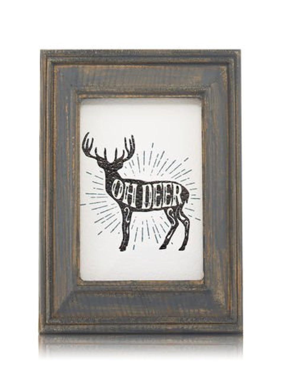 若さ満員フルーティー【Bath&Body Works/バス&ボディワークス】 ルームフレグランス プラグインスターター (本体のみ) ウッドフレーム トナカイ Wallflowers Fragrance Plug Wooden Oh Deer Frame [並行輸入品]