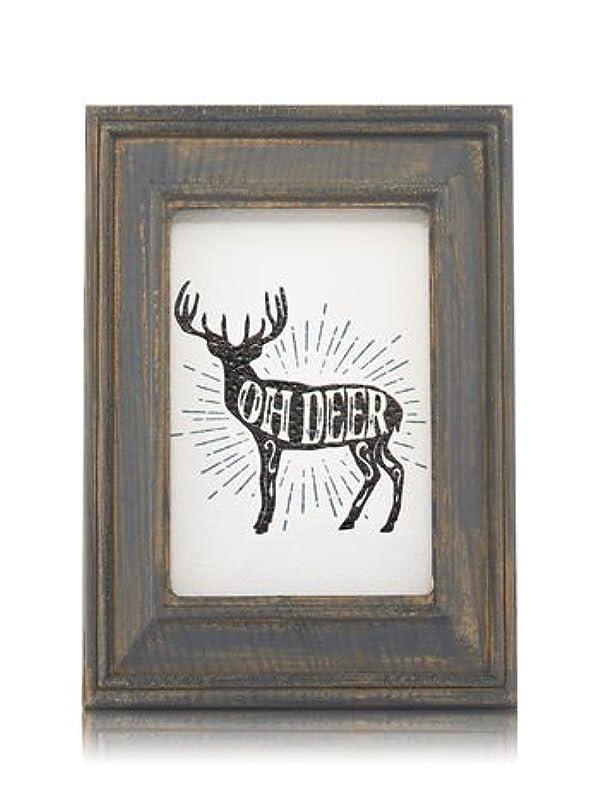 師匠移民ウォーターフロント【Bath&Body Works/バス&ボディワークス】 ルームフレグランス プラグインスターター (本体のみ) ウッドフレーム トナカイ Wallflowers Fragrance Plug Wooden Oh Deer Frame [並行輸入品]