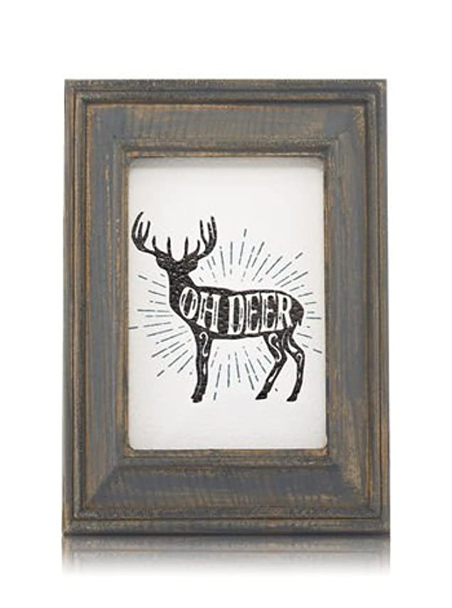 ギャングスター擁するゆり【Bath&Body Works/バス&ボディワークス】 ルームフレグランス プラグインスターター (本体のみ) ウッドフレーム トナカイ Wallflowers Fragrance Plug Wooden Oh Deer Frame [並行輸入品]