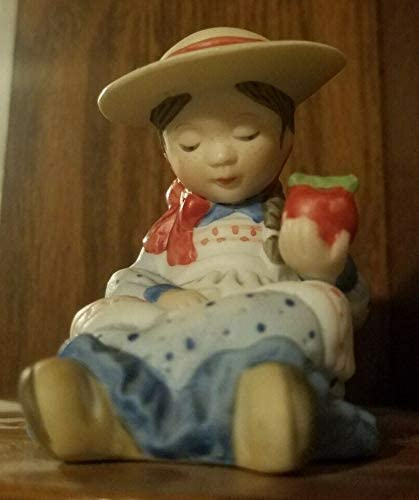 Holly Hobbie Cheap SALE Start Girl Apples Figurine Max 47% OFF with