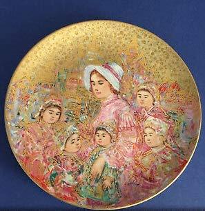 "Edna Hibel 10"" Gold Collector"