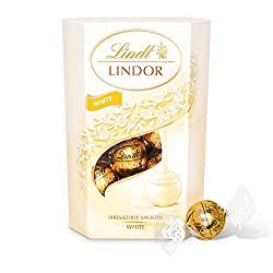 Lindt Lindor White Chocolate Truffles – smooth melting white chocolate balls with an irresistibly smooth filling, 200g gift box Melt into a moment of bliss with Lindor white chocolate balls Made with the finest ingredients, sourced from world renowne...