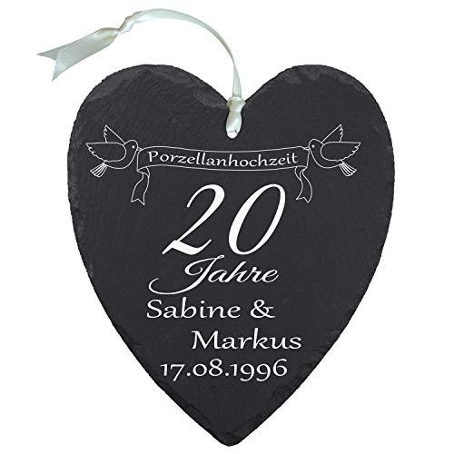 """Schieferherz """"Porzellanhochzeit"""" (Banner mit Vögeln) - mit Bannermotiv - individuelles Schiefer Herz mit Namen Versehen - Geschenk für Ehepaare zu 20. Ehejubiläum"""