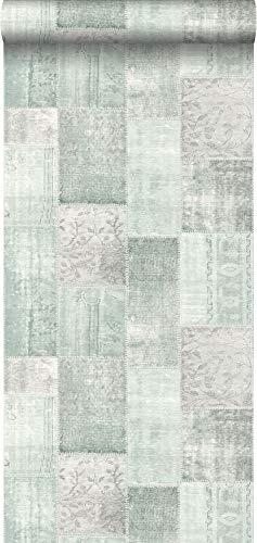 papel pintado pintura de tiza con textura eco alfombra Keilim de retazos vintage de Marrakech o de Ibiza verde menta pastel agrisado claro - 148650 - de ESTAhome