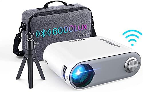 Vidéoprojecteur WiFi Bluetooth 2021, 6000LM Portable Vidéoprojecteur Supporte 1080p Full HD Mini Projecteur WiFi Home Cinéma Vidéo Pico Projecteur pour Type-C/TV Stick/PS4/5/HDMI/USB/AV