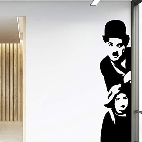 Klassische Vinyl Banksy Graffiti Chaplin und Bettler Junge entkommen Comedy Master Humor DIY Wandaufkleber Schlafzimmer Home Decoration Kinder Geschenk Kunst Aufkleber Poster 30 * 118cm