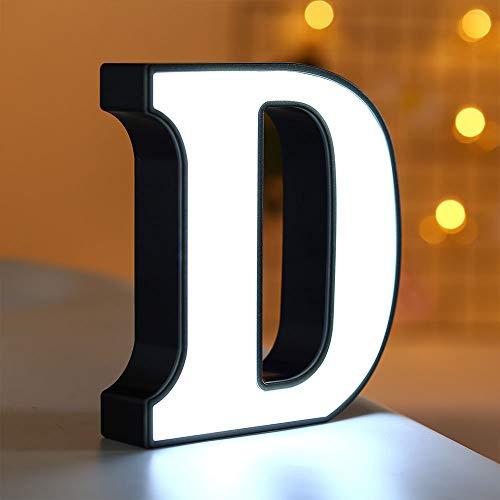 Lulalula Luces LED de letras del alfabeto con luz LED letras de plástico blancas, decoración para colgar en la pared para cumpleaños, bodas, fiestas, recámaras, decoración para colgar en la pared (B) D blanco