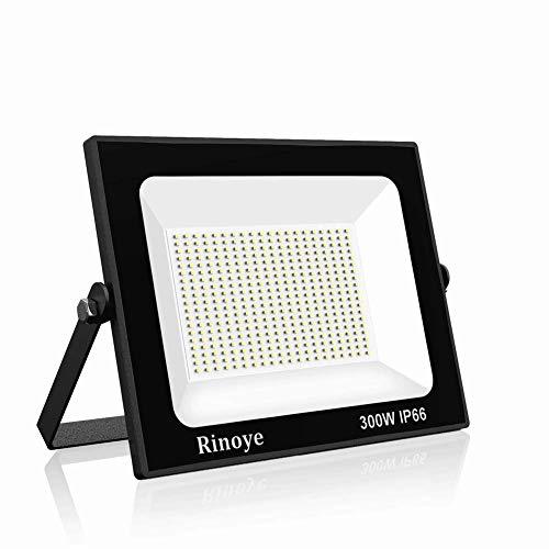 Rinoye 300W LED Strahler IP66 Flutlichtstrahler 6000K Kaltweiß Außenleuchte Superhell LED Fluter Außenstrahler Flutlicht Scheinwerfer Licht für Garten, Garage,Sportplatz 【Energieklasse A++ 】