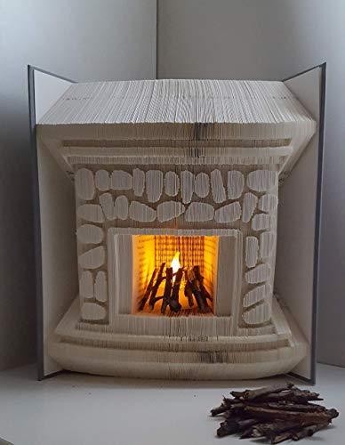 gefaltetes Buch,Kamin, Kamin mit Lichtdekoration, Weihnachten,Kaminfeuer
