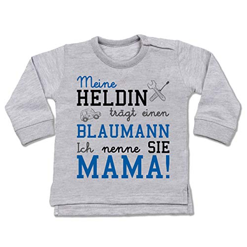 Shirtracer Anlässe Baby - Meine Heldin trägt einen Blaumann Mama - 12/18 Monate - Grau meliert - Pinker blaumann - BZ31 - Baby Pullover