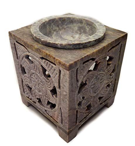 Quemador de Aceites Esenciales Hecho de Piedra Esteatita. 8 Modelos Diferentes. Lámparas Aromáticas de Aceite. Quemador Incienso. Incluye 2uds de Velas. Medidas: 7x7x9cm (Astro Rey)