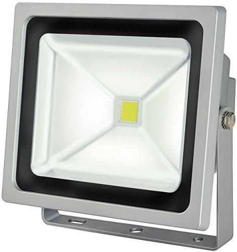 Brennenstuhl Chip-LED-Leuchte / LED Strahler außen (robuster Außenstrahler 50 Watt, Baustrahler IP65 geprüft, LED Fluter Tageslicht) Farbe: silber