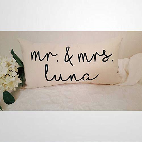 EricauBird Funda de almohada personalizada con nombre de Mr And Mrs, regalo de boda, regalo de despedida de soltera, almohada personalizada con nombre de familia Mr And Mrs.