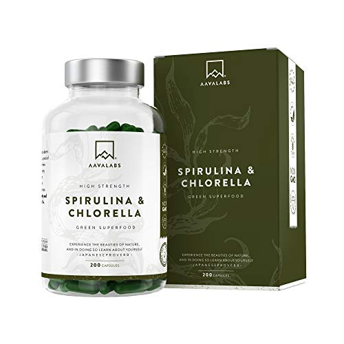 Spirulina Chlorella Capsules [ 1800 mg ] - 200 Powder Capsules - High Quality Phytonutrient Dense Blue Algae Blend - Perfect for Smoothies - 100% Vegan - 3rd Party Tested - Made in Europe.