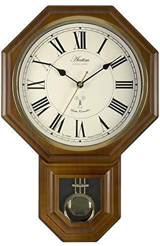Acctim Yarnton - Reloj de pared con efecto de madera de oscuro, control de radio y péndulo 46 cm