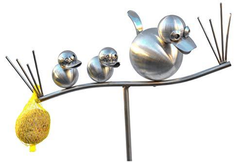 J. Tiedemann Manufaktur & DesignDODO and Kids als Edelstahl Gartenstecker mit Meisenknödelhalter. Die Rankhilfe ist 150 cm hoch. Der Rankstab ist Wasser-, rost- und frostfest.