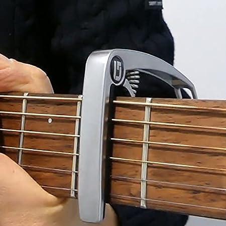 Capodastre GUITARLIVE - silver pour guitare acoustique (folk, classique), électrique, basse et ukulélé - 2 médiators et 3 cours offerts - SATISFAIT OU REMBOURSE