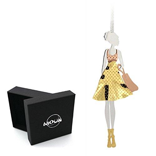 Collana con ciondolo a forma di donna in abito fashion con borsetta shopper, in argento 925 rodiato e applicazioni in argento placcato oro e oro rosa. Originale MOUN.